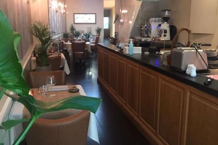 Te koop : restaurant 't Moorke met prachtig tuinterras en appartement van 58m² - Ekeren