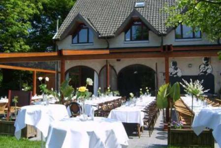 Overname: Taverne-bistro De Jongste Telg gelegen in het parkdomein van Kasteel Fruithof, met geweldi