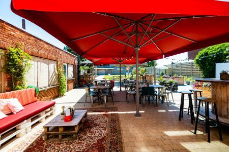 Gezellig café, mogelijkheid tot eetcafé/eetgelegenheid, over te nemen in Arendonk